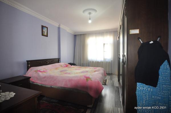 İstanbul Bahçelievler cumhuriyet mah de satılık 4. kat daire