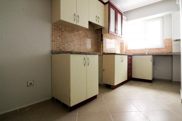 Home Vizyon 'dan Bahçelievler Yenibosna Satılık Butik Sitede Lüx 2+1 Daire.