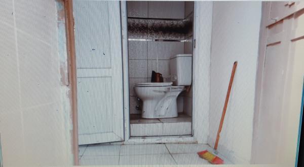 Kocamustafapaşa Uzunyusuf Ortaokul Yakın 15m2 dükkan yada depo wc mevcut içi temiz kullanışlı.