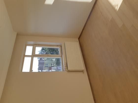 Kocamustafapaşa yakın 1+1+geniş hol 65m2 kombili balkonlu içi yapılı 3.son kat kiralık daire.
