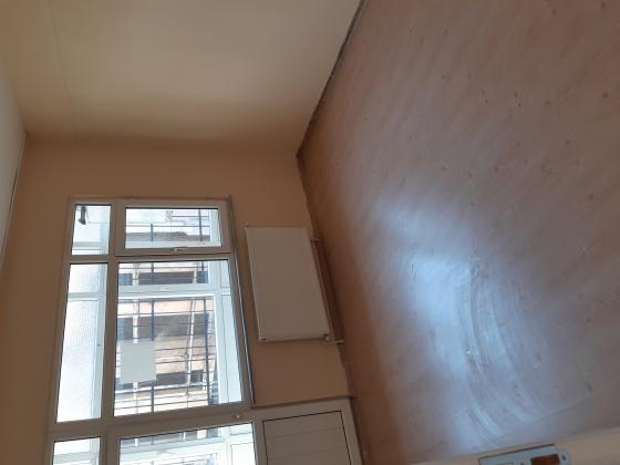 Kocamustafapaşa Sümbülefendi cami yakın 2+1 90m2 kombili çift cephe çift balkonlu 1.kat satılık daire.