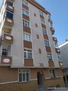 İstanbul  küçükçekmece kanarya  mah de satılık 165 m²-5+1 -3. kat daire