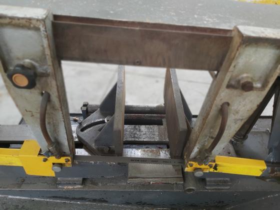 350mm Kesmak Yarı Otomatik Açılı Hidrolik Sıkmalı 2003 model Şerit Testere