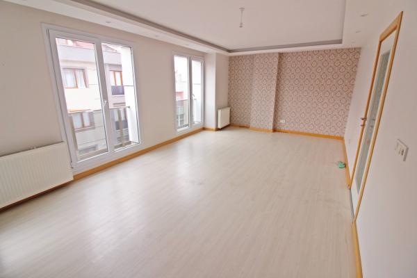 Home Vizyon 'dan Bahçelievlerde Satılık Yeni Binada Lüx 4+1 Dublex Daire.