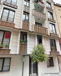 İstanbul Bahçelievler cumhuriyet mah de satılık 65 m² 1+1 –giriş kat daire