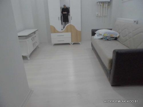 şirinevler mah de satılık 60 m² -1+1  bahçe kat daire