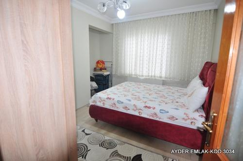 istanbul Bahçelievler cumhuriyet mah de satılık 100 m² 2+1 –3.kat daire