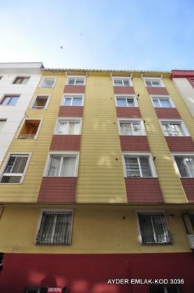 istanbul Bahçelievler cumhuriyet mah de satılık 80 m² 1+1 –bahçe.kat daire