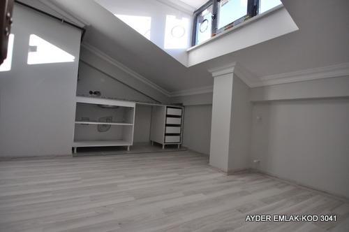 istanbul Bahçelievler cumhuriyet mah de satılık 190 m² 6+1 –dubleks.kat daire