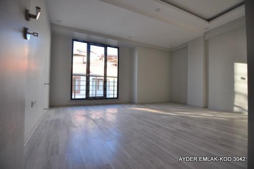 istanbul Bahçelievler cumhuriyet mah de satılık 95m² 2+1 –3.kat daire