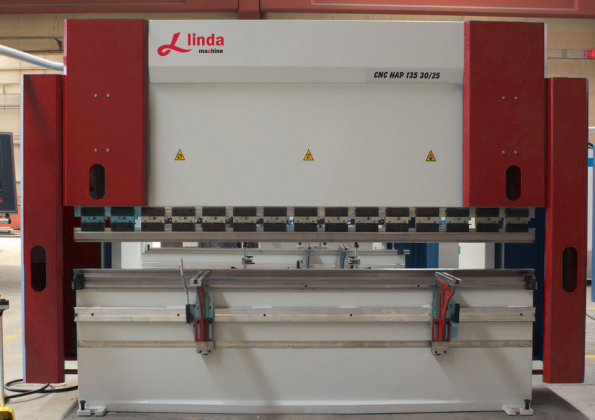 3000 x 135 Ton Abkant Pres - Press Brake