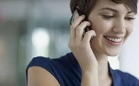HANIMLAR TELEFONDA KONUŞARAK KAZANIN