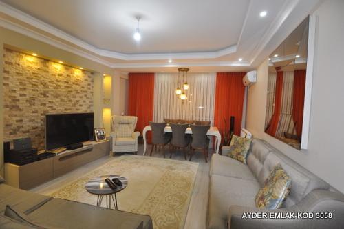 İstanbul  Küçükçekmece  yeşilova mah de satılık 250 m² 5+1  dubleks. kat daire
