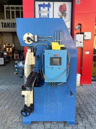 2000mt x 2mm Özmak 2011 Model Plc Kontrollü Arka Dayama Motorlu Abkant Pres