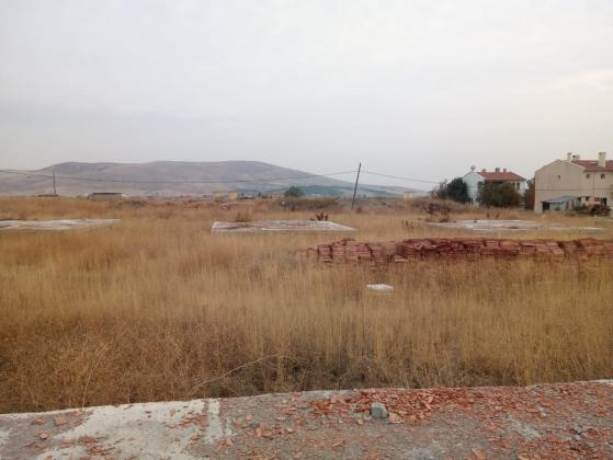 2 Adet Temeli Atılmış Sırt sırta bitişik villa arsası(408 m+418 m kare)