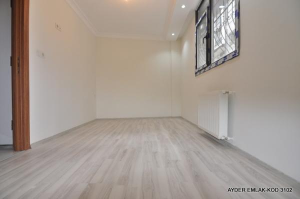 hürriyet mah de satılık 65 m² -1+1- Düz giriş kat daire