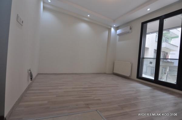 istanbul Bahçelievler hürriyet mah de satılık 80 m² -2+1- Yüksek giriş kat daire